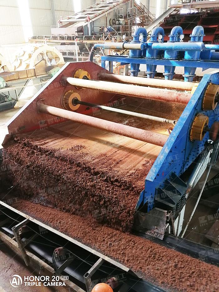 尾矿中的泥沙废料处理,环保细沙回收机如何做到