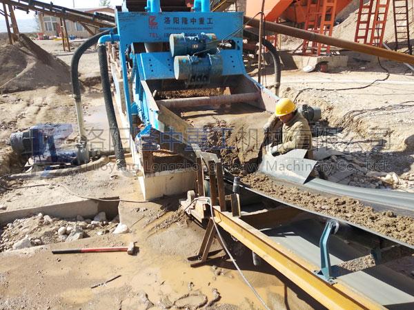 环保型水洗砂生产线配置、一套多少钱?