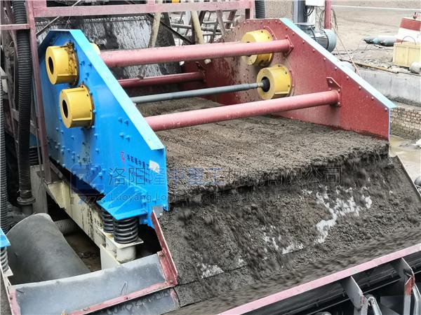 时产200吨的细沙回收机设备多少钱_购买设备需要注意哪些?